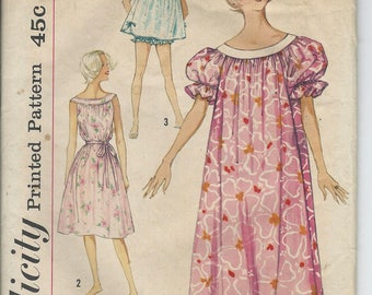 1958 VINTAGE SIMPLICITY PATTERN Misses Muu Muu, Nightgown in Two Lengths & Panties. 2566 Size Small. Bust 31-32.
