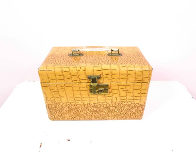 Vintage Train Case | Tan Faux Alligator Train Case Travel Luggage