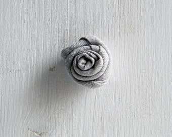 Flower lapel pin - Men lapel flower - Grey buttonhole - Light grey boutonniere -  Wedding boutonniere.  Ash grey. Grey wedding
