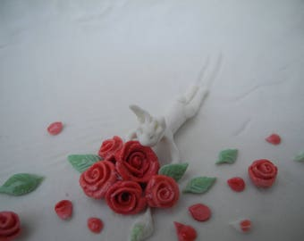 Smell the roses! - porcelain story bowl with a rabbit sliding into a bed of roses  -incl gift box