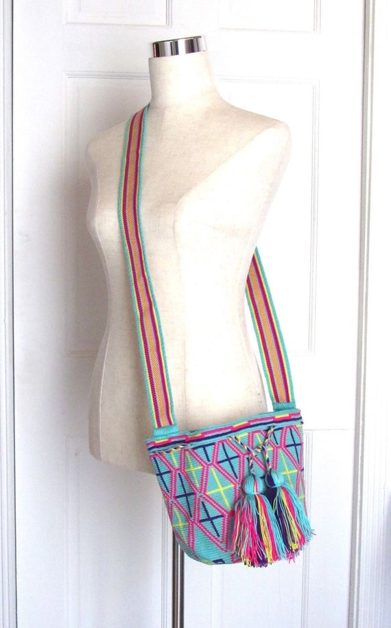 Exceptional crossbody bucket bag single tread Wayuu mochila handmade tote