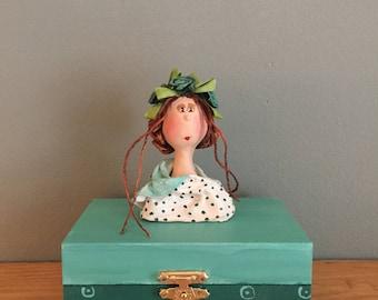 Decorative box ,ooak art doll,art doll, boite de bois,turquoise,figurine,coffre a bijoux,jewelry box,hand painted box,wood box