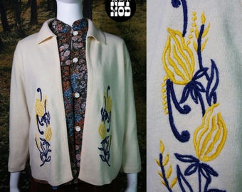 Pretty Vintage 50s 60s Cream Cardigan Sweater with Blue & Yellow Floral Embroidery