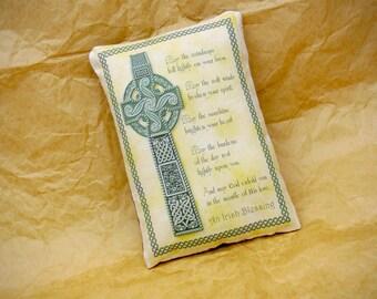 St Patrick's Day Pillow | Irish Blessing | Traditional Gaelic Blessing | St. Patricks Day decoration | St. Pattys Day decor | Green decor