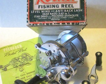 SM3: Old, Vintage Pflueger Rocket Fishing Reel- Mint in Box! Perfect package!