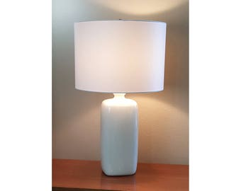 Mid-Century Modern Off-White Ceramic Lamp