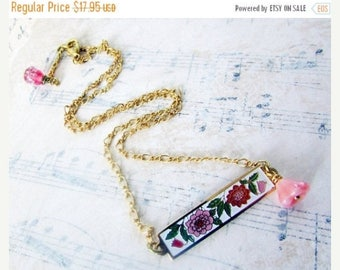 MOVING SALE On Sale Sweet Pink, Vintage Floral Enamel and Pink Swirl Czech Glass Flower Necklace