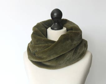 Infinity scarf. Faux fur infinity scarf. Faux fur snood in moss green. Faux fur neck warmer. Womens chunky scarf. Green fur neck wrap