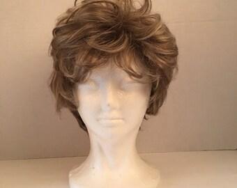 Socialite Wavy medium ash blonde vintage ladies wig curly short hair wig with bangs synthetic wig costume cosplay fantasy Fashion Club