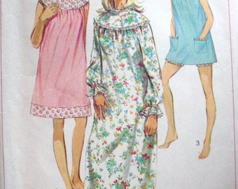 Vintage Simplicity 7910 - Misses Nightgown and Bloomers -  Size Small (8-10), Bust 31 1/2-32 1/2, UNCUT
