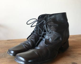 CLEARANCE, AS IS Vintage 90s Black Leather Ankle Boots, Lace Up Boots, Women's Boots, Size 39, Size 8.5