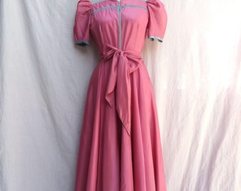"""Vintage 1940's/Pink Long Dress House Coat with Zipper/40's Rose Pink Long House Coat Dress/Saybury/29.5"""" Waist/Medium"""