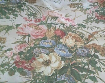 Beautiful Large Floral Print Decorator, Drapery Fabric Sold By the Yard X0926
