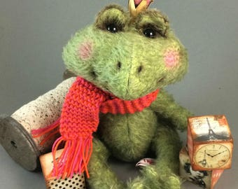 """Sewing kit for 10 - 11 inch Frog """"Theodosius"""""""