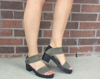 vtg 90s Gold Metallic CYBER club kid CHUNKY SANDALS grunge 8 platform shoes elastic black vegan