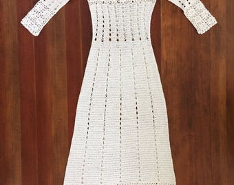 Perfect Vintage 1930s Cream Crochet Long Sleeve Gown Beautifully Crafted Nipped Waist Long Skirt Floral Details Mint