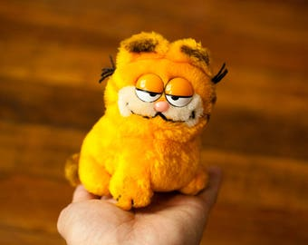 Vintage 80s Little Stuffed Animal Garfield