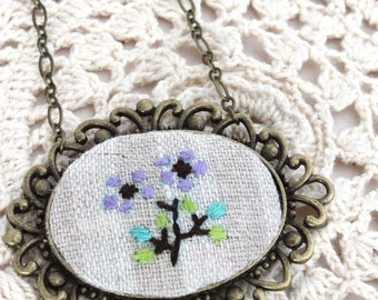 Hand Embroidery Necklace - Necklace - Hoop Art - Embroidery Flowers Necklace - Vegan Necklace - Pendant Necklace - Embroidery Necklace