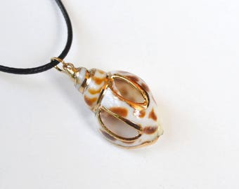 Shell Necklace, Summer Beach Necklace, Short Shell Necklace, Beach Necklace, Choker Shell Necklace, Ocean Wave Necklace, Brown White Shell