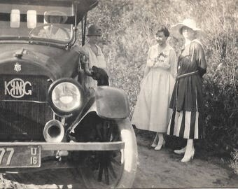 """Vintage Photo """"King Of Cars"""" Antique Car King Automobile Woman Driver Ahooga Horn Found Vernacular Photo"""