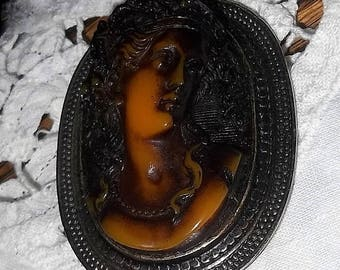 Vintage CAMEO Brooch, High Relief Bakelite
