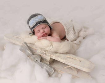 Baby Pilot hat-Crochet baby aviator hat/Newborn to Toddler Crocheted Aviator Hat/Photo prop Earflap hat in many sizes and col
