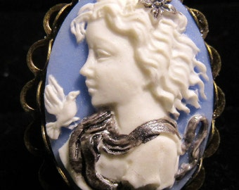Lady Cameo Adjustable Bronze Ring