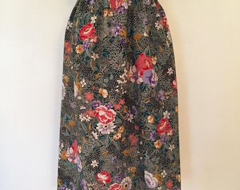 Vintage Floral Skirt / Large/XL/XXL / Black Floral Skirt