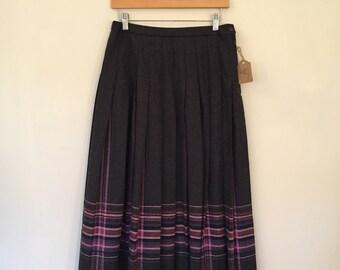 Vintage Pendleton Skirt / Med/Large  / Vintage Wool Skirt