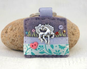 horse keyring, horse gifts for girl, horse lover, horse accessories, equine gift ideas, gifts for horse owners, handmade horse keyring, UK