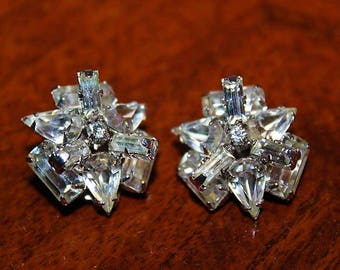 Vintage Designer Couture Pat Pend Rhinestone Ice Crystal Silver Earring ED28