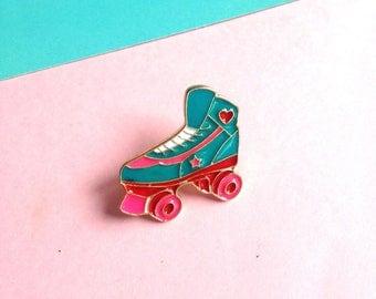 Roller Derby Rollerskate enamel pin badge - hard enamel - Lapel Pin Brooch 80s style