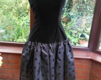 Vintage 1980s ballgown black velvet and taffeta dress evening prom party costume collectors dress
