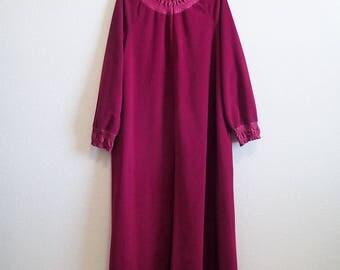 Burgundy Robe Medium Vanity Fair - Cozy Fleece - Zipper Satin Ruched