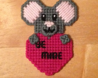 Mouse Valentines Magnet, Critter Magnet, Valentines Day Gift, Mouse Gifts, Gift for Kids, Kids Magnets, Hugs Magnet, Mouse Magnet, Be Mine