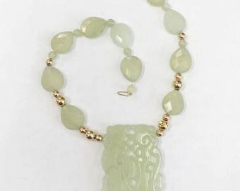 Vintage 1950's Hand Carved JADE Necklace / 14k
