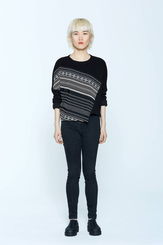 PINK LADY - long sleeves bicolor sweater for womens - black with azthec print