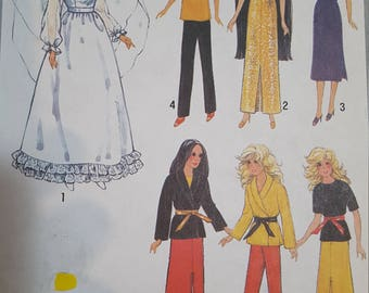 Vintage Doll Pattern Clothes Simplicity 9194 Barbie Sized Doll, 1970s