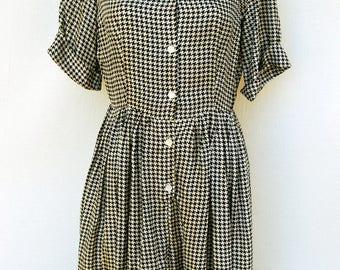 Vtg 50s Silky Houndstooth Dress Womens Rockabilly Satin Black Tan Checkered Day Shirtdress Mid Century Pinup Clothing