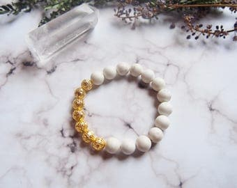Howlite Stone And Gold Plated Filigree Stretch Bracelet