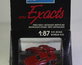 Vintage NOS monogram 1:87   H.O. scale Exacts 1963  split window corvette hardtop Free Shipping Domestic USA