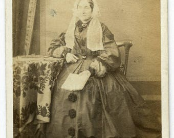 CDV Photo Victorian Old Woman, Hoop Dress and Bonnet Portrait - Carte de Visite Antique Photograph