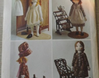 Holly Hobbie Rag Doll and Wardrobe Incl. Dress, Pinafore, and Slip All 16 Uncut/FF and Transfer Vintage 70s Simplicity Sewing Pattern 6006