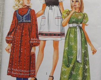 Dress with Empire Waistline in Three Lengths and Lined Bolero in Size 9/10 Complete Uncut Vintage 70s Simplicity Sewing Pattern 9276