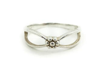 Sterling Flower Ring, Signed MP, Size 7, STH52