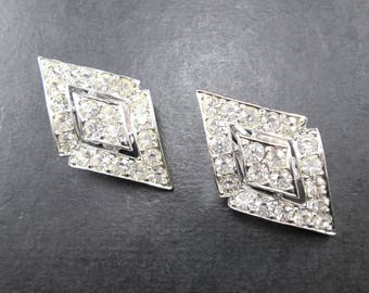 Vintage Sarah Coventry Faux Diamond Rhinestone Silver Tn Cluster Clip On Earrings Sarah Cov Pat Pend Signed 60s