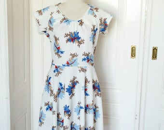 Vintage 70 80s dress with floral print//Vintage flower power dress