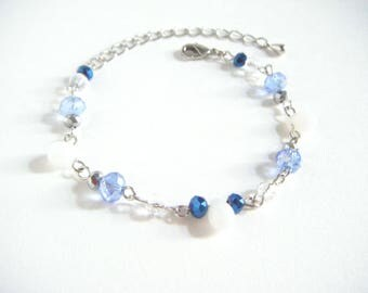 Blue white dainty bracelet, blue white beads bracelet, beaded dainty bracelet, gift for her, bracelet under 10, white blue bracelet.