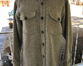 LL Bean Northwoods Wool Shirt Jacket Greenish Gray & Beige Herringbone/Mens Medium/Lumberjack/Camping/Cabin/Workwear/Hipster/Outdoors/Unisex