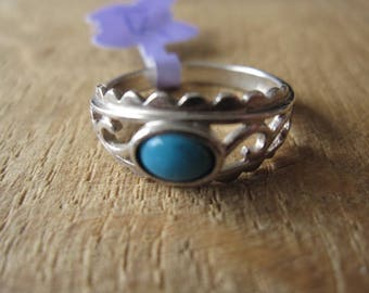 Sterling Silver Scroll Waves Turquoise Ring Size 8.25 (1125)
